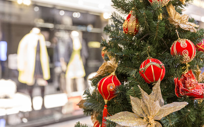 What Does the First Week of Holiday Retail Sales Tell Us About the Season Ahead?